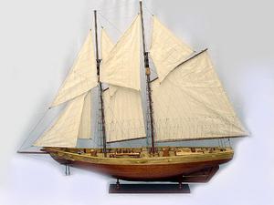 maquette de bateau, voilier, runabout Bluenose II - 80 cm Old Modern Handicrafts Quirao idées cadeaux