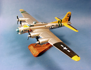 maquette d'avion Boeing B-17G Flying Fortress USAAF - 41 cm Pilot's Station Quirao idées cadeaux
