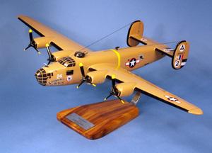 maquette d'avion Consolidated B-24D Liberator  Strawberry Bitch  - 60 cm Pilot's Station Quirao idées cadeaux