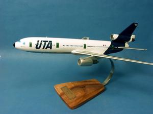 maquette d'avion Douglas DC-10-30  UTA - 46 cm Pilot's Station Quirao idées cadeaux