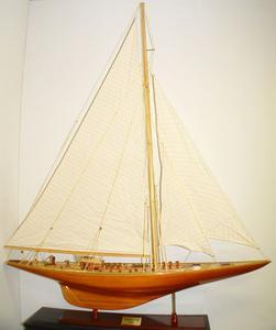 maquette de bateau, voilier, runabout Endeavour XL - 150 cm Old Modern Handicrafts Quirao idées cadeaux