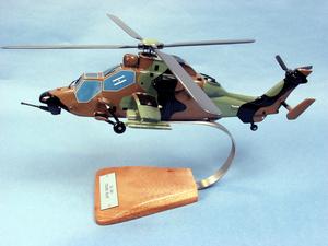 maquette d'helicoptère EC-665 Tigre  HAP- Armée française - 38 cm Pilot's Station Quirao idées cadeaux