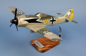 maquette d'avion Focke Wulf 190A 9./JG2  Richthofen  Siegfried Schnell Pilot's Station Quirao idées cadeaux