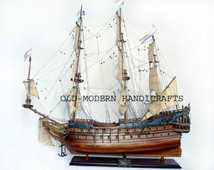 maquette de bateau, voilier, runabout Friesland - (coque 60 cm) Old Modern Handicrafts Quirao idées cadeaux