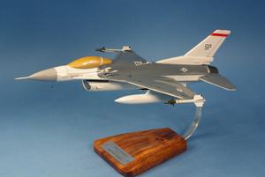 maquette d'avion General Dynamics F-16C Falcon - USAF - 45 cm Pilot's Station Quirao idées cadeaux