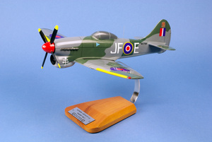 maquette d'avion Hawker Tempest MK.V - RAF Sqn 3  P.Clostermann - 39 cm Pilot's Station Quirao idées cadeaux