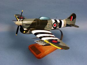 maquette d'avion Hawker Typhoon  - RAF - 47 cm Pilot's Station Quirao idées cadeaux