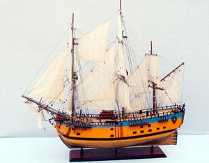 maquette de bateau, voilier, runabout HMS Endeavour peint - (coque 80  cm) Old Modern Handicrafts Quirao idées cadeaux
