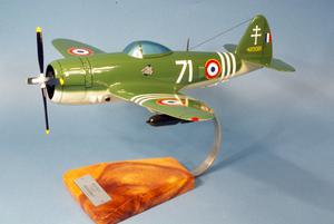 maquette d'avion Republic P-47.D Thunderbolt GC III/3 Ardennes - 43 cm Pilot's Station Quirao idées cadeaux