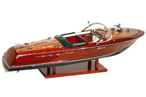 maquette de bateau, voilier, runabout Riva Ariston 1/27e - 25 cm - Licence Officielle Riva Kiade Quirao idées cadeaux