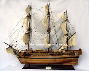 maquette de bateau, voilier, runabout Royal Caroline - (coque 80 cm) Old Modern Handicrafts Quirao idées cadeaux