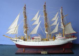 maquette de bateau, voilier, runabout Sorlandet - 120 cm Old Modern Handicrafts Quirao idées cadeaux