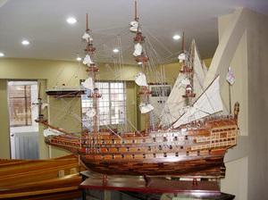 maquette de bateau, voilier, runabout Sovereign of the Seas (HMS) - 144  cm Old Modern Handicrafts Quirao idées cadeaux
