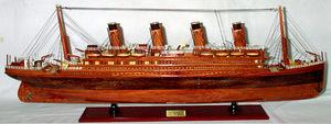 maquette de bateau, voilier, runabout Titanic - 80 cm bois naturel Old Modern Handicrafts Quirao idées cadeaux