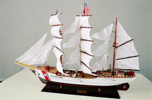 maquette de bateau, voilier, runabout US Coast Guard - (coque 80 cm) Old Modern Handicrafts Quirao idées cadeaux