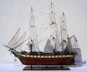 maquette de bateau, voilier, runabout USS Constellation - (coque 120 cm) Old Modern Handicrafts Quirao idées cadeaux