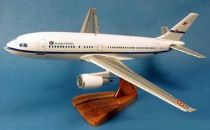 maquette d'avion Airbus A.310 Armée de l'Air Belge  Pilot's Station Quirao idées cadeaux