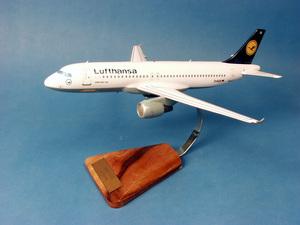maquette d'avion Airbus A.320-200 Lufthansa  - 38 cm Pilot's Station Quirao idées cadeaux
