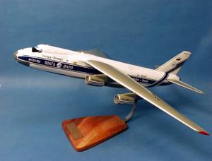 maquette d'avion Antonov 124 Ruslan 'Volga Dnepr' - 55 cm Pilot's Station Quirao idées cadeaux