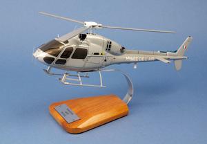 maquette d'helicoptère AS.555 Fennec Armée air Pilot's Station Quirao idées cadeaux