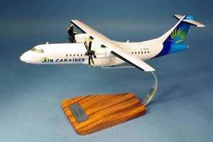 maquette d'avion ATR 72-500 Air Caraïbes - 38 cm Pilot's Station Quirao idées cadeaux
