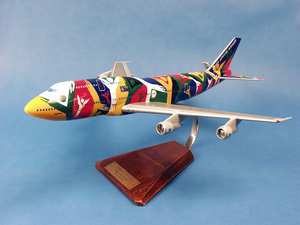maquette d'avion Boeing 747-312 South African Airways Ndizani ZA-SAJ  - 47 cm Pilot's Station Quirao idées cadeaux