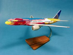 maquette d'avion Boeing 777-224ER Continental NYC 2000 P.Max- 46 cm Pilot's Station Quirao idées cadeaux