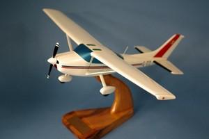 maquette d'avion Cessna 182.R Red  Belgium Police   Pilot's Station Quirao idées cadeaux
