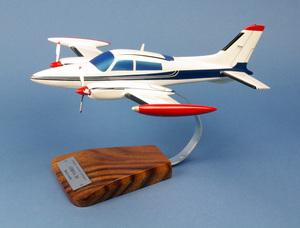 maquette d'avion Cessna 310 - Civil - 47 cm Pilot's Station Quirao idées cadeaux