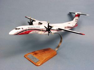 maquette d'avion Dash 8-Q400MR - Sécurité Civile  - 45 cm Pilot's Station Quirao idées cadeaux