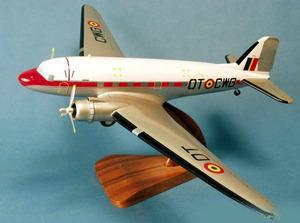 maquette d'avion Douglas C-47 Armée de l'Air Belge - 58 cm Pilot's Station Quirao idées cadeaux