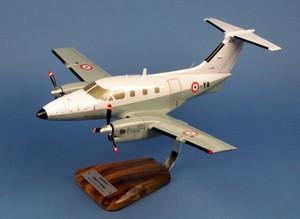 maquette d'avion Embraer 121 Xingu EAT 00.319 BA702 Avord- 42 cm Pilot's Station Quirao idées cadeaux