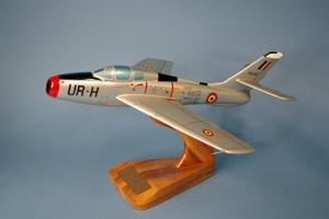 maquette d'avion Republic F-84F Thunderstreak Armée de l'Air Belge Pilot's Station Quirao idées cadeaux