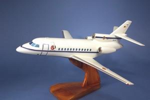 maquette d'avion Falcon 900 Belgium Air Force   Pilot's Station Quirao idées cadeaux