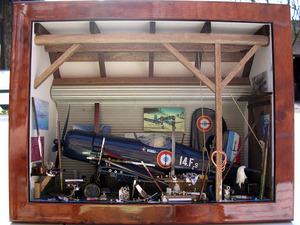 tableau 3d Hangar Avion Patrick Richard Quirao idées cadeaux