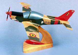 maquette d'avion SF-260 Marchetti  Belgium Air Force Pilot's Station Quirao idées cadeaux