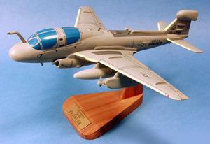 maquette d'avion Prowler EA-6B - USN - 43 cm Pilot's Station Quirao idées cadeaux