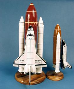 véhicule spatial Challenger Space Shuttle & Booster - 38 cm Pilot's Station Quirao idées cadeaux