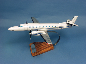 maquette d'avion Fairchild Swearingen SA-227 Metro III- 40 cm Pilot's Station Quirao idées cadeaux