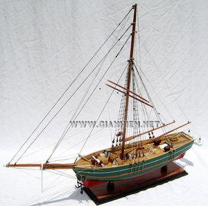 maquette de bateau, voilier, runabout GJØA - coque 51 cm Gia Nhien Quirao idées cadeaux
