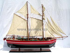 maquette de bateau, voilier, runabout Lila Dan - coque 80 cm Gia Nhien Quirao idées cadeaux