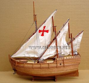 maquette de bateau, voilier, runabout Nina Caravelle - coque 60 cm Gia Nhien Quirao idées cadeaux