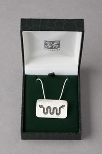 promotion sur Serpent à deux têtes 1 (pendentif et chaine argent)