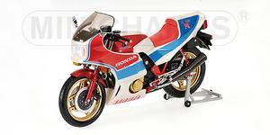 miniature de moto Honda CBR 1000 RR Toseland Minichamps Quirao idées cadeaux