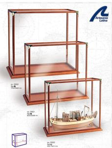 vente vitrine pour maquette bateau. Black Bedroom Furniture Sets. Home Design Ideas