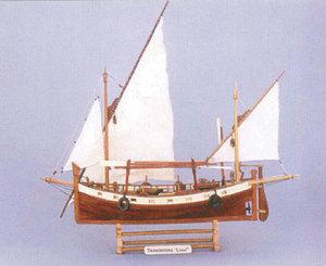 maquette de bateau, voilier, runabout Tramontana - 53 cm  Quirao idées cadeaux