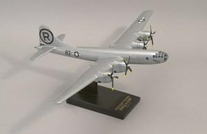 maquette d'avion Boeing B 29 Enola Gay  Quirao idées cadeaux