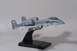 maquette d'avion Fairchild A-10A Thunderbolt II Warthog  Quirao idées cadeaux