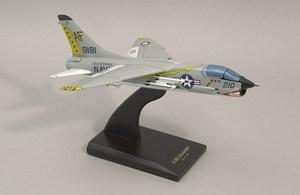 maquette d'avion LTV F -8E Crusader  Quirao idées cadeaux