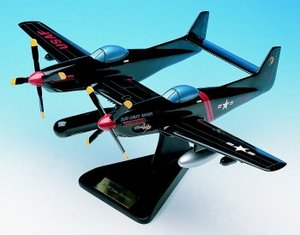 maquette d'avion North American F-82 G Twin Mustang  Quirao idées cadeaux